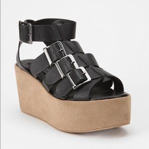 Urban outfitters deena and ozzy buckle platform 8